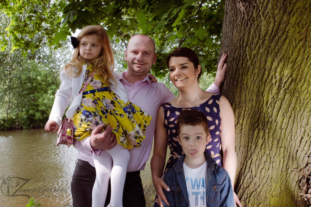 family-photo-shoot-session-outdoor-burton-on-trent